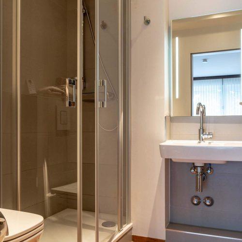 Doppelzimmer groß Bad