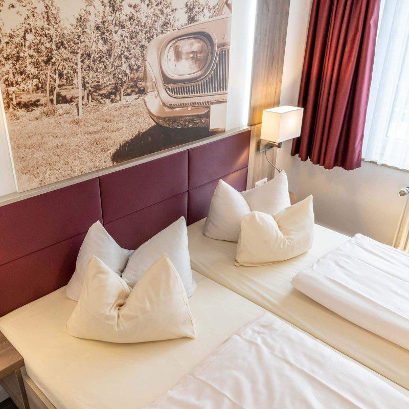 Doppelzimmer neu Bett